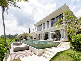 Luxury 5 Bedroom Villa Santai Lodtunduh - BVR