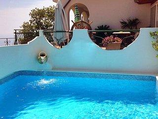 Furore Villa Sleeps 4 with Pool and WiFi - 5228825
