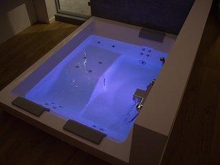 Maison avec spa dans la chambre, entre Bretagne et Normandie. Intimité totale.