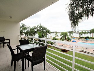 Bahia Vista Condo w/ Stunning Views, Free WiFi, Complex Pool & Free Parking
