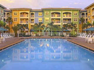 Mizner 1 bed full kitchen near Miami pools golf quiet location