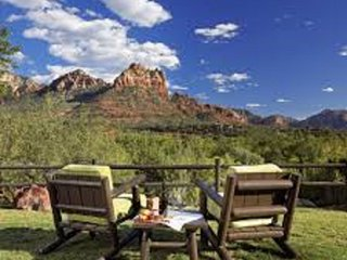 1 BDRM IN THE HEART OF RED ROCK COUNTRY~ LOS ABRIGADOS RESORT & SPA~POOLS & MORE