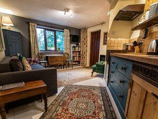 Glastonbury apartment Dilkara