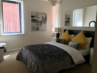 5 * Fantastic Centre Of Town Cheltenham Apartment