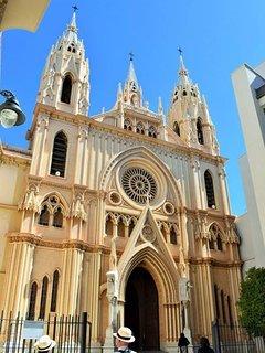 Chiesa del Sacro Cuore di Gesù 3 minuti a piedi dall'appartamento