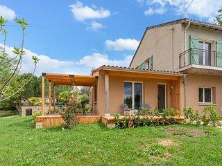 Excellent Sarlat - gîte Sylvia: jardin privé, 10 min au pied du centre