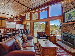 FREE SkyCard Activities - Mountain Valley Views, Close To Town, Gas Fireplace