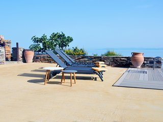 Comfortable family villa with a swimming pool and sea view in the area of Otzia