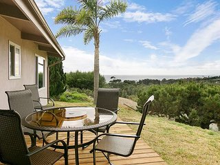 Stylish Hilltop 3BR w/ Private Deck & Sweeping Pacific Views, Near Zuma Beach