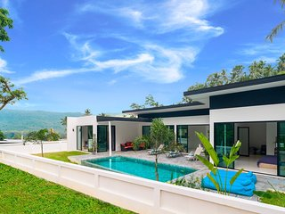 Stunning Jungle 3bdr with Private Pool