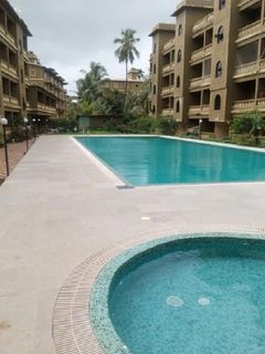 Well-appointed 1-BR apartment for 3, with a shared pool