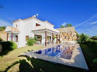 Casa Chalet con vistas la mar y piscina
