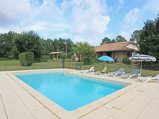 Very peaceful farmhouse with private pool, mature gardens and amazing views