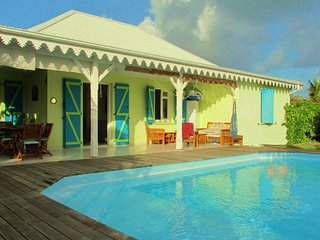 Villa with swimming pool near beach (MQSL11)
