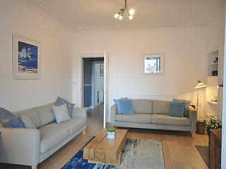 Centrally located, spacious 5 bedroom apartment sleeping up to 10 guests