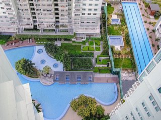 Pool View 1 Bedroom Unit in Two Serendra BGC Fully Furnished near SM Aura