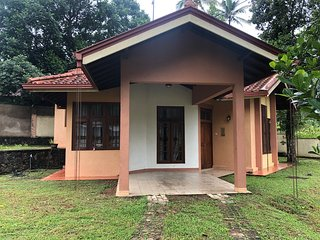 Villa Gurudeniya home stay is our house n a very peaceful residential area