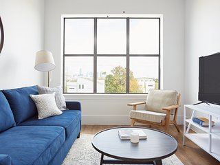 Sonder | The Hampstead | Modern 1BR + Sofa Bed