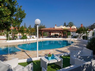Casa Limone: Villa with Pool for 8 guests with 4 bedrooms in Monopoli