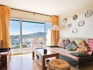 Apartment on the Beautiful Costa Brava Beach 4c
