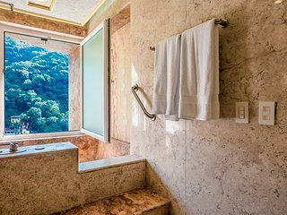 Boca de Tomatlan Villa Sleeps 4 with Pool Air Con and WiFi - 5776628