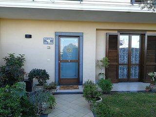Holiday home - Scent of Etna. Casa vacanza,  Loft tra Acireale e Catania.
