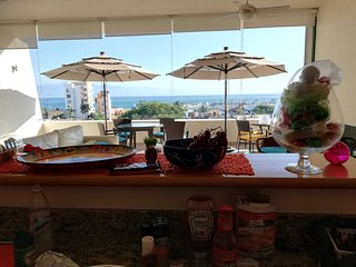 Stunning 3 Bedroom penthouse, View of Banderas Bay, Close to Beach, Pool