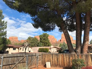 Beautiful 3 Bedroom Home! Great Views! Moons View - S074