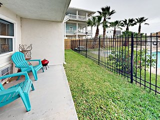 SB112; 1BR Efficiency, 1 Queen 1 Sleeper Sofa, Full Kitchen, 1 Block to Beach