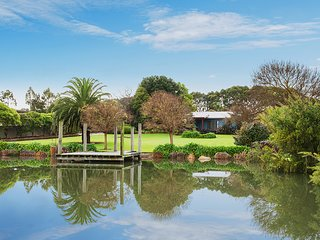 Margaret River Manor - amazing manicured gardens - luxury holiday like no other!