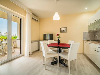 1 bedroom Apartment with Air Con, WiFi and Walk to Beach & Shops - 5453770