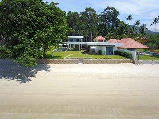 Villa Thansamaay - 6 bedrooms plus kid's bunk room beachfront