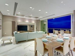 Super Luxury Apartment in Tigne Point, Ocean Views