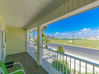 Classy 3BR Beach Haven Townhouse w/ Pool & Canal Views