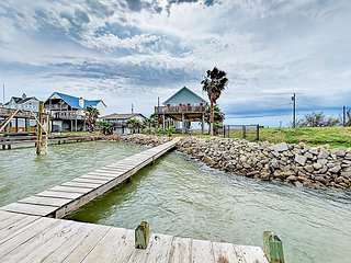 Spacious 3BR Galveston Bay House w/ Private Dock