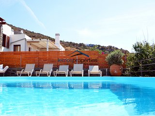 Family villa with a swimming pool and sea view for rent on the Island of Kea
