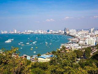Beachfront 2BR Wongamant Pattaya