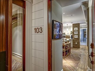 103 SeaCrest Luxury Villa - Beautifully decorated, fully renovated villa!