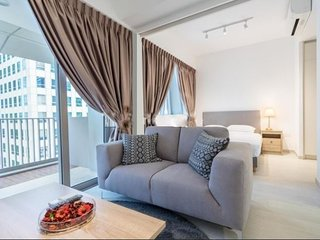 2 BR APARTMENT IN TANJONG PAGAR,