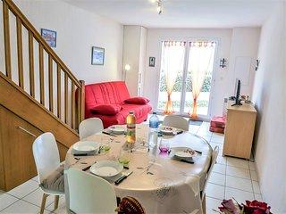 1 bedroom Apartment in Saint-Pierre-sur-Mer, Occitania, France : ref 5513979