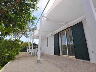 2 bedroom Villa with Walk to Beach & Shops - 5605611