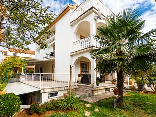 Ground Floor Apartment With Spacious Terrace (Malinska, Island of Krk)