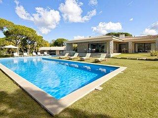 5 bedroom Villa in Benfarras, Faro, Portugal - 5238970