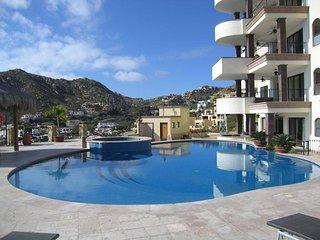 Splendid Condo Steps to Pool, Terrace Views, Minutes to Downtown & Medano Beach