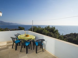 Smokvica Apartment Sleeps 6 with Air Con and WiFi - 5459096