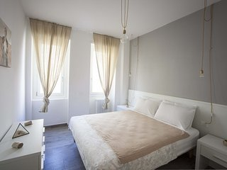 Valeria - Bright and Central Apartment