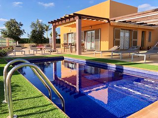 STYLISH HOME RENTALS... Villa Caprice, HEATED POOL, Sea & Golf Course Views.