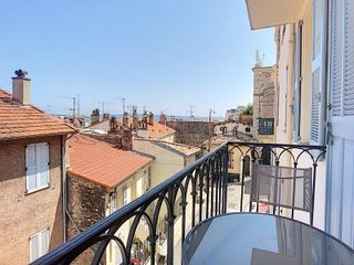 Excellent apartment with Seaview and 2 balconies - BARRI 32