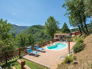 Brucciano Holiday Home Sleeps 14 with Pool and WiFi - 5573590
