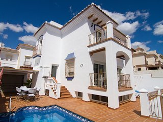 Jara 12-M - Detached villa 3 bed, for 6 people with private pool, A / C, wifi